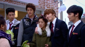 Et chacun en remet une couche, pauvre Eun Bi !